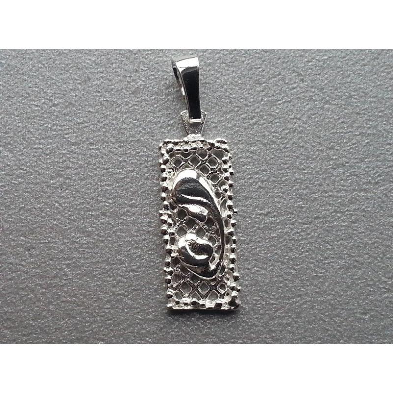 Medalik srebny Matka Boża