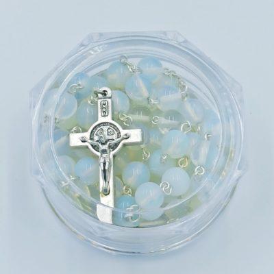 Rózaniec z kamieni półszlachetnych (opal)